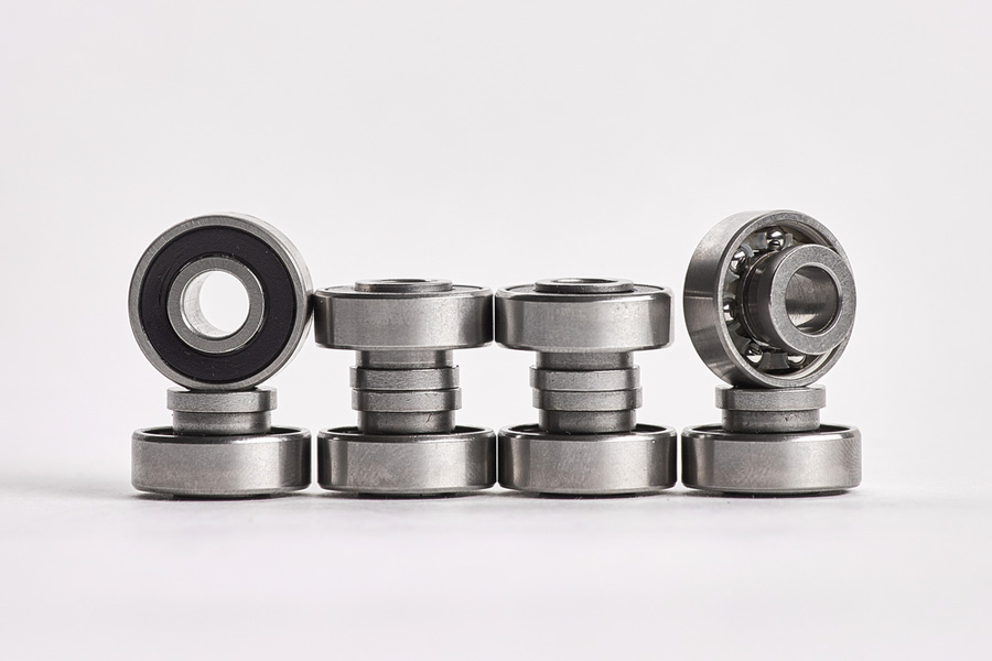 8d7f3f57b Best Skateboard Bearings (May. 2019) - Buyer s Guide and Reviews